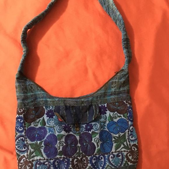 Handbags - Embroidered boho bag